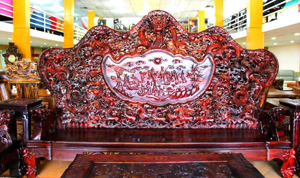 Cận cảnh những bộ bàn ghế tiền tỷ chưa chắc mua được của đại gia Việt  - Ảnh 2