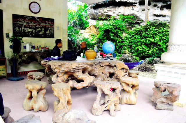 Cận cảnh những bộ bàn ghế tiền tỷ chưa chắc mua được của đại gia Việt  - Ảnh 6