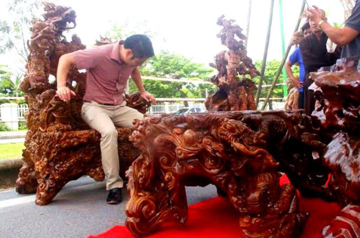 Cận cảnh những bộ bàn ghế tiền tỷ chưa chắc mua được của đại gia Việt  - Ảnh 5