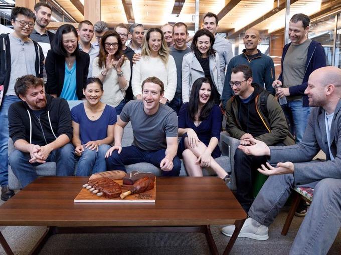Một ngày bình thường của tỷ phú Mark Zuckerberg diễn ra như thế nào? - Ảnh 5