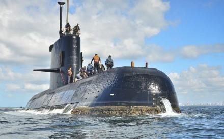 Mỹ phát hiện vật thể lạ gần tàu ngầm Argentina - Ảnh 1