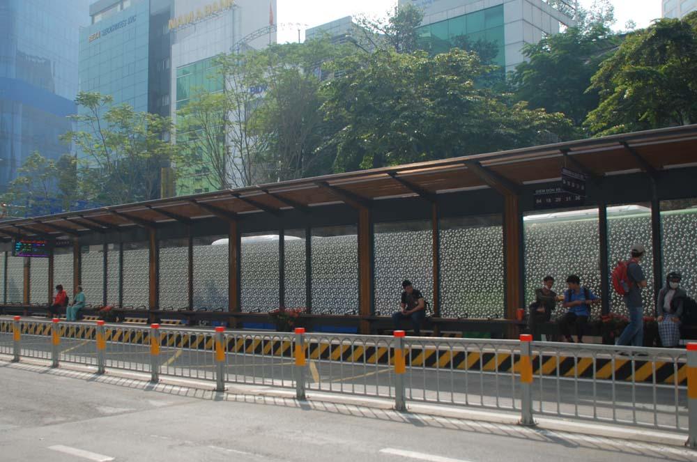 Trạm xe buýt 8,5 tỷ đồng ở TP. Hồ Chí Minh có gì hấp dẫn? - Ảnh 2