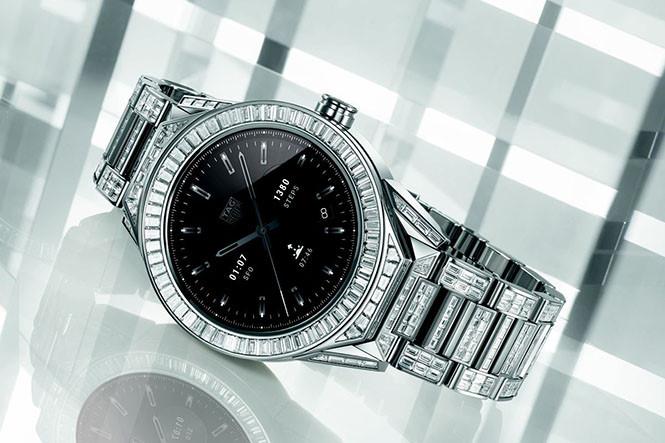 Cận cảnh chiếc smartwatch phủ kim cương đắt nhất thế giới - Ảnh 1