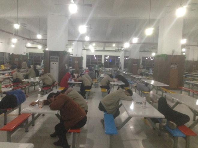 Công nhân sản xuất iPhone phải tiếp xúc với hóa chất độc hại - Ảnh 2