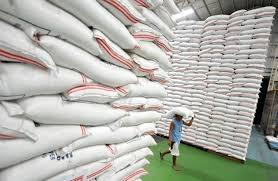 Việt Nam xuất khẩu gạo vượt qua Thái Lan, Ấn Độ  - Ảnh 1