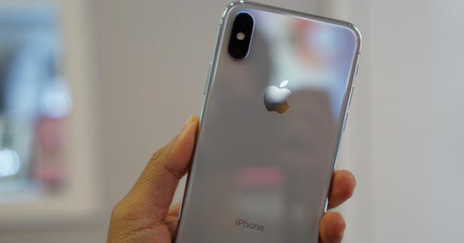 Apple mất 45 tỷ USD vì hạ sản lượng sản xuất iPhone X - Ảnh 1