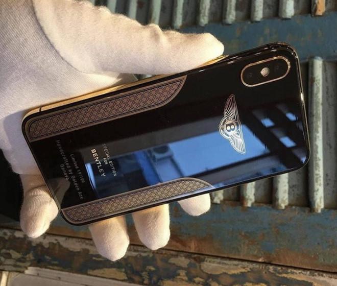 Cận cảnh chiếc iPhone X mạ vàng 18K của Bentley - Ảnh 1