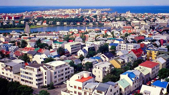 Iceland ban hành luật trả lương nam nữ bình đẳng - Ảnh 1