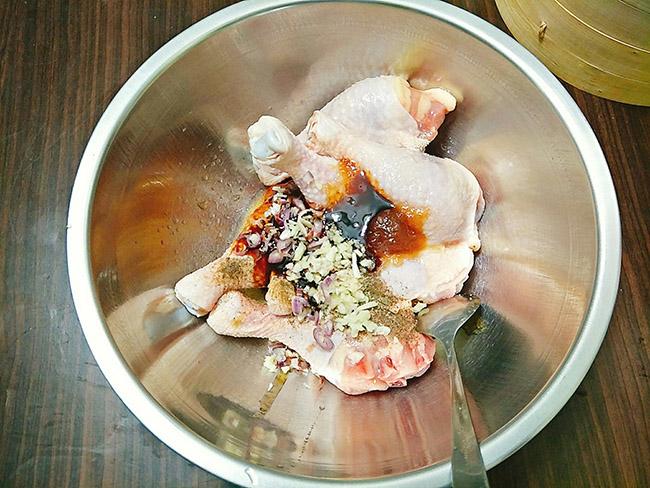 Món ngon mỗi ngày: Cách làm đùi gà nướng mật ong vàng ruộm, thơm lừng - Ảnh 2