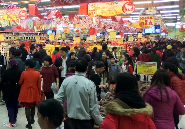 Hà Nội: Cửa hàng, siêu thị mở xuyên Tết - Ảnh 1