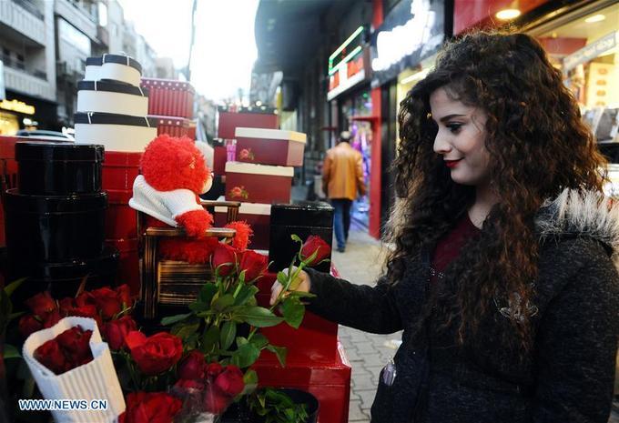 Hình ảnh không khí đón Valentine trên khắp thế giới - Ảnh 2