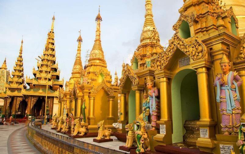 Toà tháp làm từ 72 tấn vàng và hàng nghìn carat kim cương - Ảnh 2