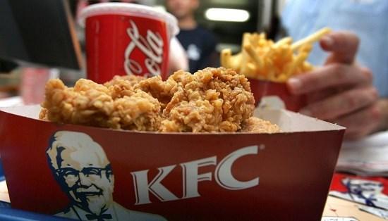 Gà rán KFC phải đóng cửa hàng trăm cửa hàng vì trục trặc nguồn cung - Ảnh 1