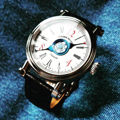 Đồng hồ hàng hiệu làm từ vật liệu hàng không vũ trụ giá đến 300 triệu đồng - Ảnh 3