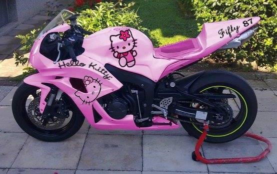 """Cận cảnh chiếc mô tô """"hầm hố"""" được độ hình Hello Kitty cá tính - Ảnh 5"""