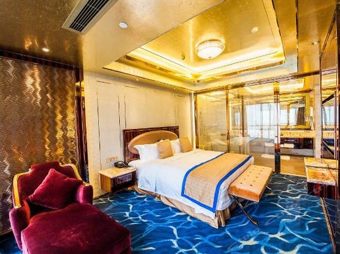 """Chiêm ngưỡng hai khách sạn """"dát vàng"""" ở Trung Quốc - Ảnh 4"""