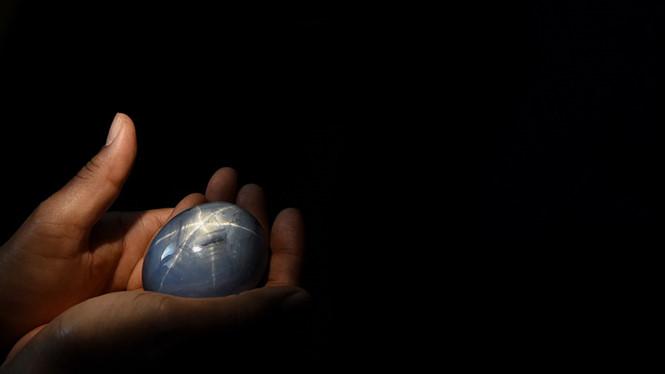 Chiêm ngưỡng 5 viên đá quý lớn nhất thế giới, đại gia có tiền chưa chắc đã mua được - Ảnh 4