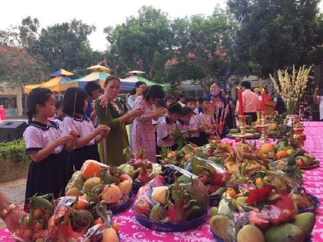 Hàng nghìn người nô nức dự lễ giỗ Tổ Hùng Vương ở TP Hồ Chí Minh - Ảnh 3