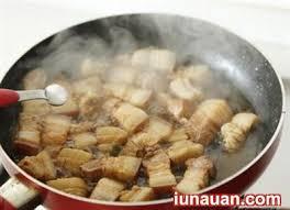Cách làm món tôm đồng rang thịt dân dã cho bữa tối ngon cơm  - Ảnh 3