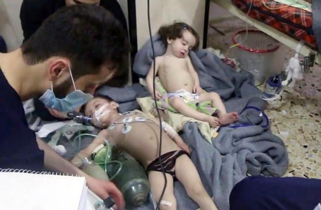 Nghi vấn tấn công hoá học ở Syria, ít nhất 70 người chết - Ảnh 1