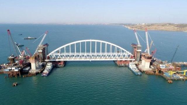 Nga khánh thành cây cầu dài nhất châu Âu  - Ảnh 5