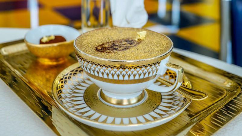 Những món ăn chứa vàng phục vụ cho giới siêu giàu trong nhà hàng ở Dubai  - Ảnh 2