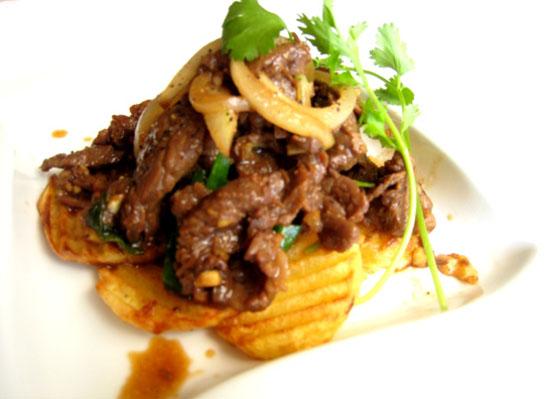 Hướng dẫn cách làm thịt bò xào khoai tây thơm ngon khó cưỡng  - Ảnh 6