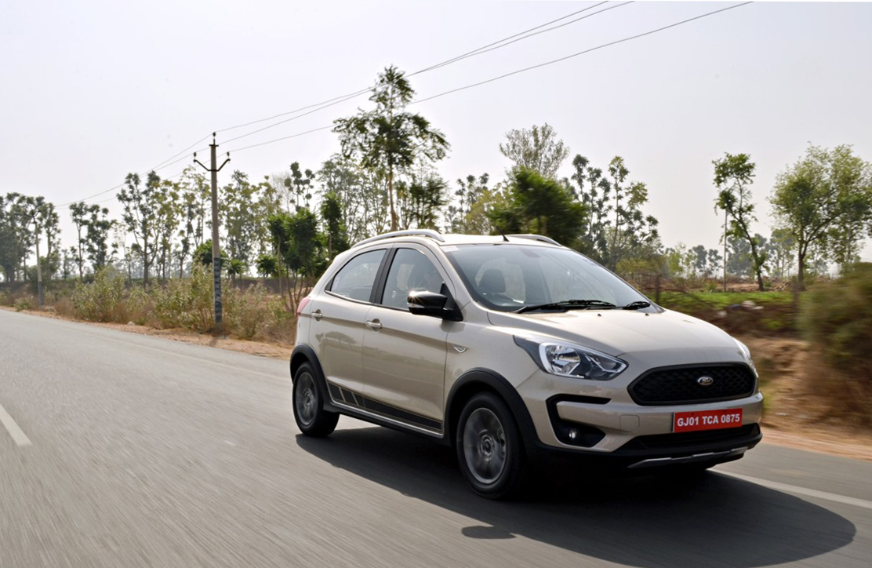 """Cận cảnh mẫu xe Ford đẹp """"long lanh"""", giá chỉ hơn 173 triệu đồng - Ảnh 1"""