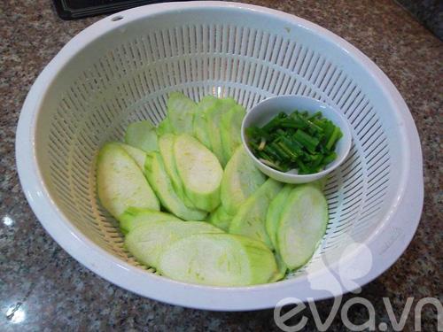 Cách nấu canh mướp với tôm thanh mát cho cuối tuần ngon cơm - Ảnh 2