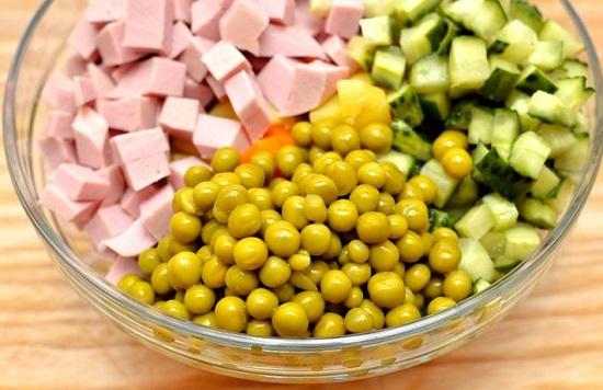 Cách làm salad Nga ngon như ngoài hàng đổi món cho gia đình - Ảnh 4