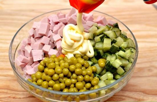 Cách làm salad Nga ngon như ngoài hàng đổi món cho gia đình - Ảnh 5