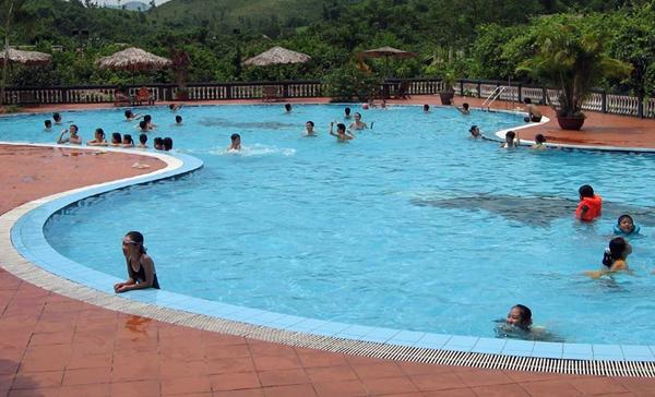 Cách phòng bệnh lây nhiễm từ bể bơi công cộng  - Ảnh 1