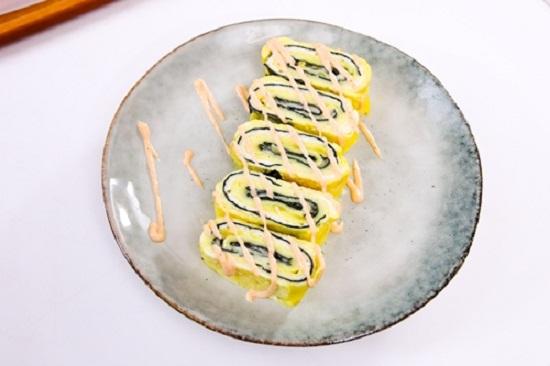 Cách làm trứng cuộn rong biển và phô mai thơm ngon hấp dẫn  - Ảnh 8