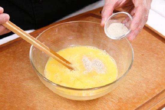 Cách làm trứng cuộn rong biển và phô mai thơm ngon hấp dẫn  - Ảnh 3