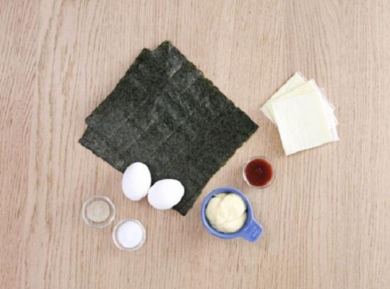 Cách làm trứng cuộn rong biển và phô mai thơm ngon hấp dẫn  - Ảnh 1