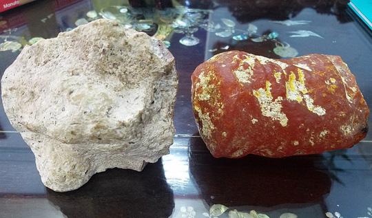 Ngạc nhiên hai viên đá tòa mùi thơm như nước hoa, trả 5 tỷ chưa bán - Ảnh 1