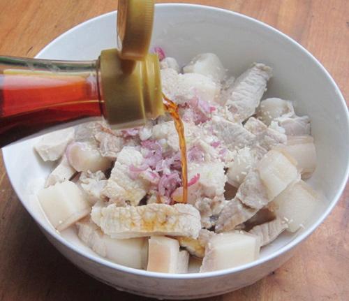 Cách làm thịt kho trứng đơn giản mà đưa cơm bữa tối - Ảnh 3