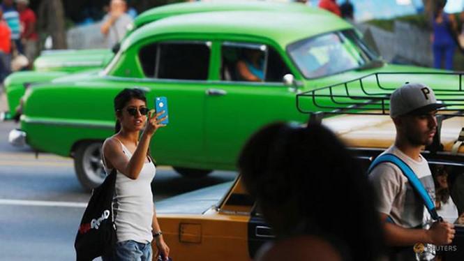 Cuba chính thức cung cấp internet trên điện thoại di động cho người dân - Ảnh 1