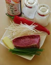 Cách làm thịt xào giá đỗ hấp dẫn, đưa cơm trong ngày mưa mát mẻ - Ảnh 1