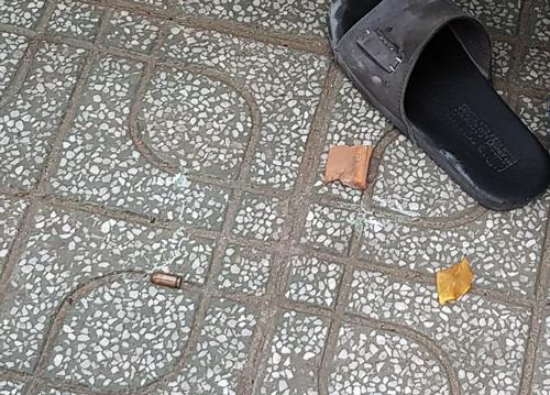 Công an nổ nhiều phát súng trấn áp nhóm cướp cầm mã tấu chống trả ở Sài Gòn - Ảnh 2