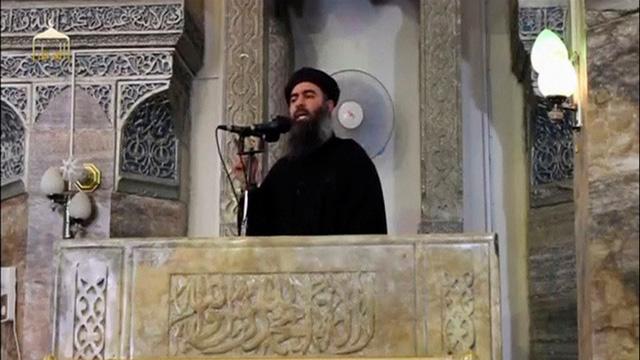 Thủ lĩnh tối cao IS bất ngờ xuất hiện sau tin đồn bị tiêu diệt - Ảnh 1