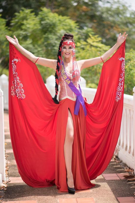 Những trang phục sắc màu của dàn người đẹp Hoa hậu Đại sứ Du lịch Thế giới 2018  - Ảnh 6