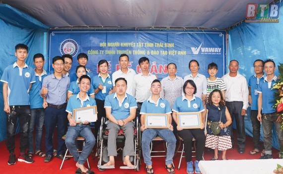 Nhiều cơ hội tìm việc làm cho người khuyết tật tại Thái Bình   - Ảnh 1