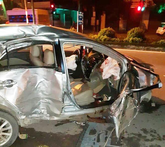 Tai nạn kinh hoàng: Ô tô con tông vào xe khách 3 người tử vong  - Ảnh 2