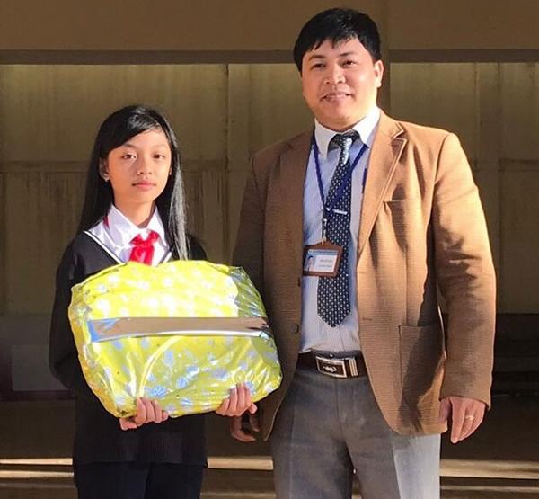 Lâm Đồng: Tuyên dương học sinh không ham của rơi - Ảnh 1