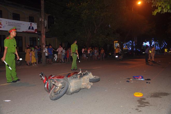 Khởi tố nam thanh niên say xỉn lái ô tô tông chết cháu bé 9 tuổi rồi bỏ chạy - Ảnh 1