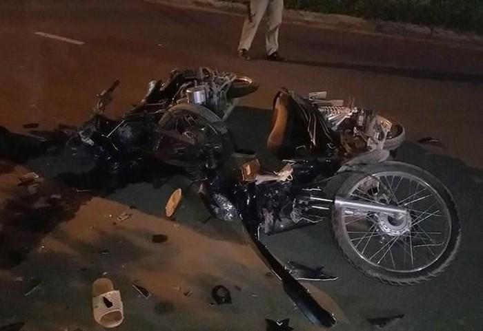 TPHCM: Phát hiện tai nạn xe máy kinh hoàng giữa đêm làm 3 người thương vong  - Ảnh 1