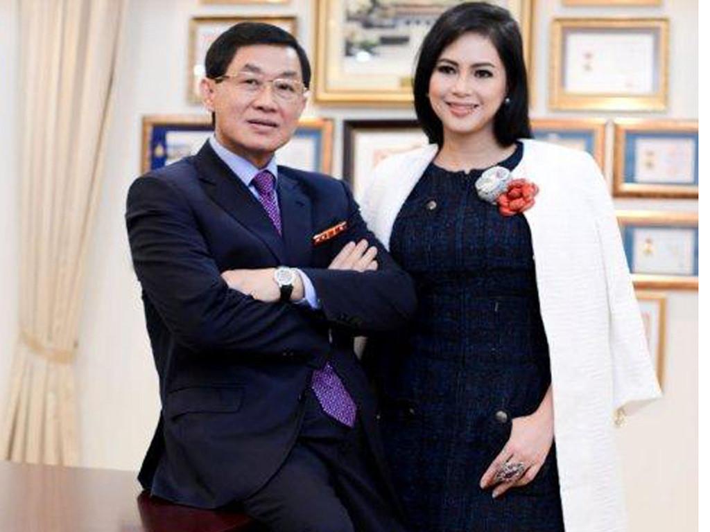 """Chuyến bay định mệnh của """"vua hàng hiệu"""" Johnathan Hạnh Nguyễn và """"bà trùm"""" ngành thời trang - Ảnh 1"""