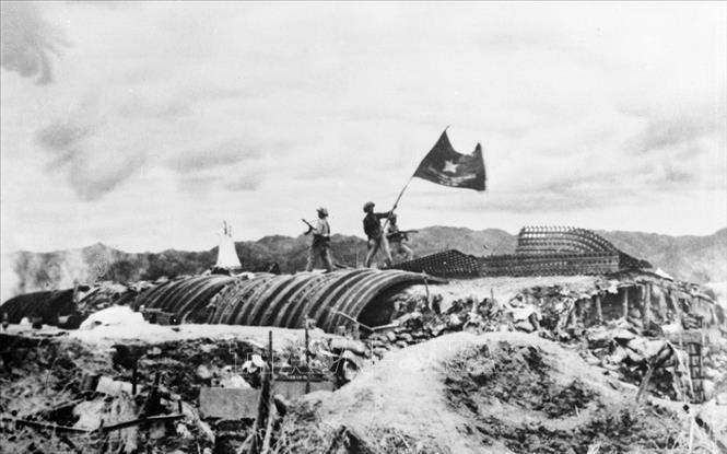 Việt Nam-Hồ Chí Minh-Điện Biên Phủ: Một khối thống nhất, bền chặt - Ảnh 2