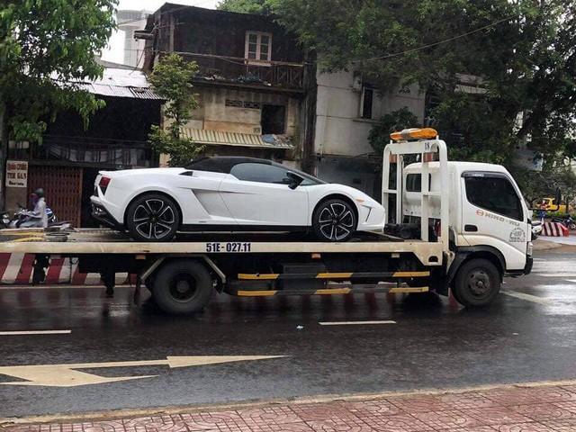 Sau li hôn, ông Đặng Lê Nguyên Vũ bán hàng loạt siêu xe - Ảnh 3